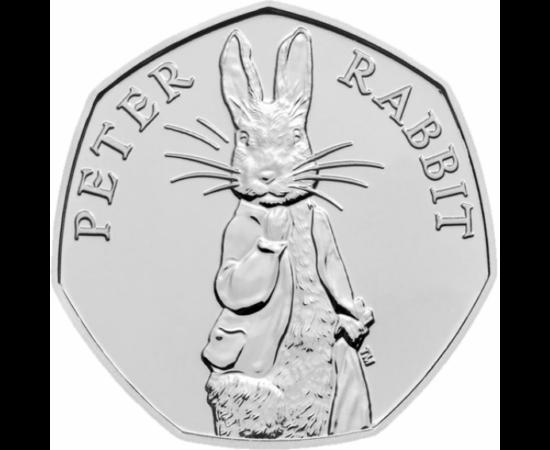 // 50 pence, Marea Britanie, 2019 // - Celebrul iepure a scriitoarei Beatrix Potter, Peter Iepuraşul a devenit star de cinema în 2018, iar în primăvara anului acesta îl vom vedea din nou pe marile ecrane. Eroul cu urechi mari apare şi pe această monedă br