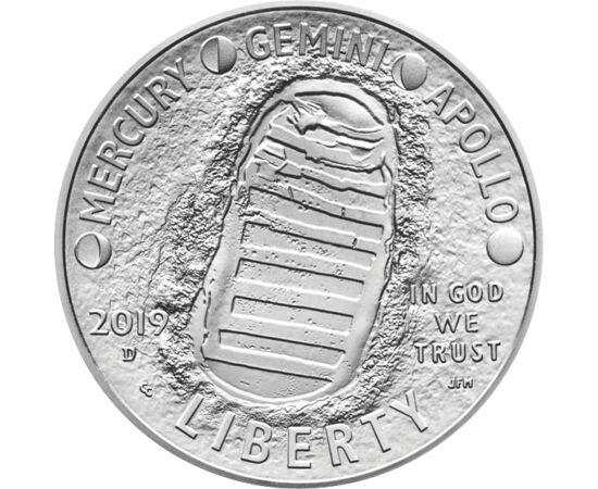 // 1/2 dolar, SUA, 2019 // - La 20 iulie 1969, modulul lunar al misiunii Apollo-11 a aselenizat cu 2 oameni la bord. La sărbătorirea a 50 de ani de la eveniment, SUA a emis monede concave, ambalate exclusiv, având pe avers imaginea iconică a primei urme u