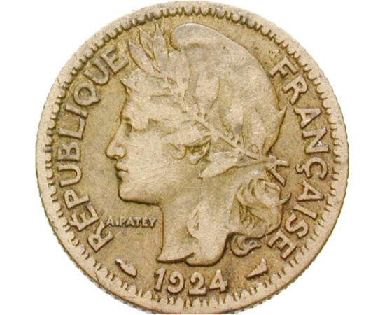 // 1 franc, Togo, 1924-1925 // - Franţa la începutul secolului 20 a posedat un vast imperiu colonial. Marianne, femeia cu bonetă frigiană care apare pe monedele coloniale, a călcat în picioare tocmai principiul său, libertatea, acolo unde francezii au câş