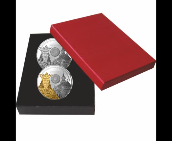 // medalii, calitatea proof, Ştefan cel Mare, set de 2 medalii ambalat exclusiv, placat cu aur şi argint, România,  // Ştefan cel Mare, unul dintre cei mai mari domnitori, a fost în fruntea Moldovei aproape o jumătate de veac, între anii 1457 şi 1504. În