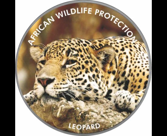 """// 2000 şilingi, pictat, placat cu argint, Uganda, 2006 // - Pe această monedă pictată apare leopardul, animalul din Africa ameninţat cu dispariţie. Inscripţia monedei """"Protecţia faunei africane"""" ne atrage atenţia asupra acestei specii pe cale de dispariţ"""