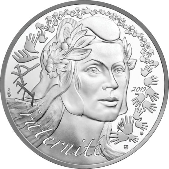 // 20 euro, argint de 900/1000, Franţa, 2019 // - Figura alegorică a lui Marianne a apărut în timpul Marii Revoluţii Franceze, devenind astăzi simbolul naţional al Franţei. Pe cea mai recentă monedă apare, împreună cu cele trei idealuri declarate ale revo