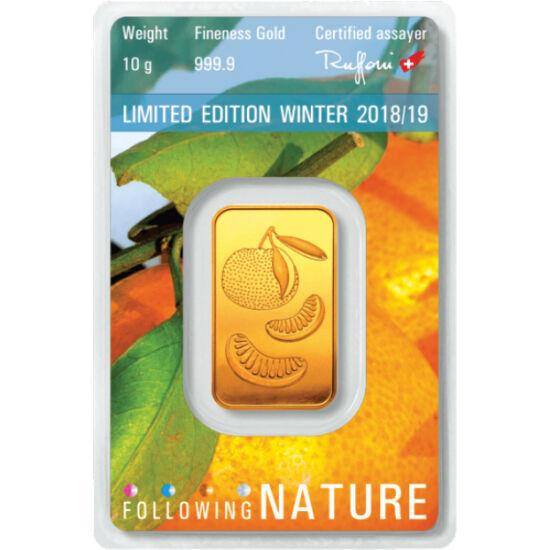 // lingou, aur de 999,9/1000, Elveţia, 2019 // - Una dintre cele mai renumite rafinării de aur, Argor-Heraeus, a lansat un lingou special de aur. În fiecare trimestru, îşi decorează lingourile cu motive specifice, acum portocala. Ambalajul, care totodată