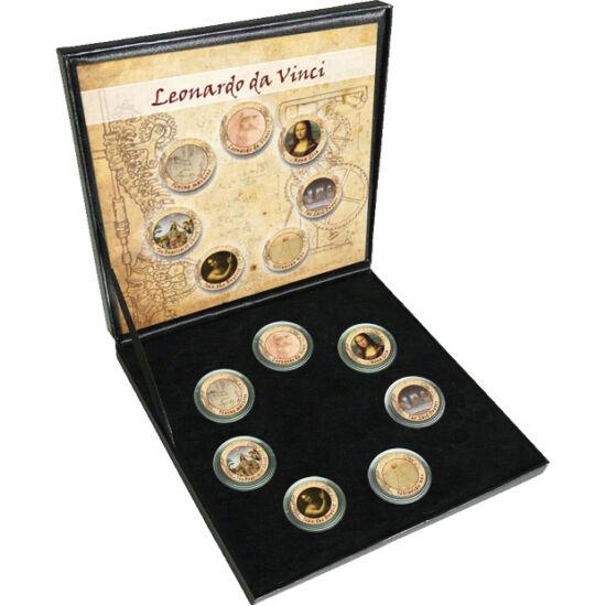 // 7 x 10 lire, Italia, 1954-1989 // - Leonardo da Vinci este considerat cel mai mare polihistor renascentist din lume. A fost un maestru genial, un pictor strălucit, sculptor, arhitect, inventator şi om de ştiinţă. Setul de monede realizat în memoria a 5
