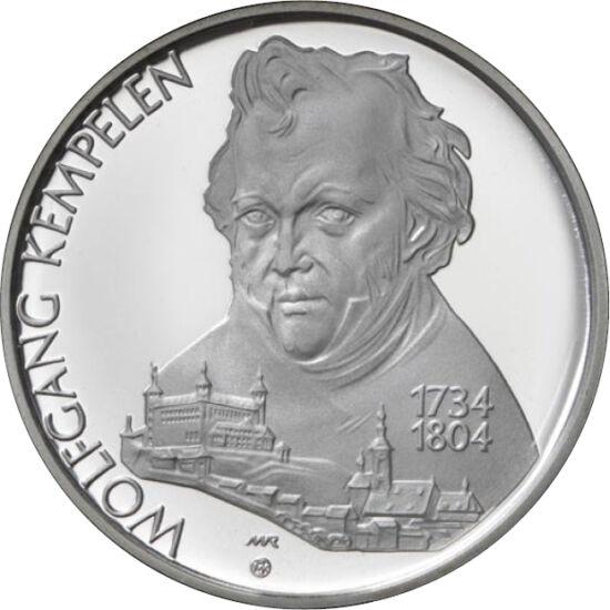 """// 200 coroane, argint de 750/1000, Slovacia, 2004 // - În 1769, inventatorul Wolfgang von Kempelen a uimit Europa cu o maşinărie capabilă să joace singură şah. Invenţia sa, numită """"Turcul mecanic"""", a învins aproape toţi oponenţii pe care i-a întâlnit. Sl"""