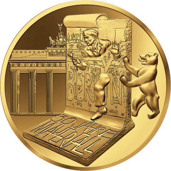 // 5 euro, aur de 999/1000, Franţa, 2019 // - Acum 30 de ani, nemţii au zdrobit cu dalta, ciocanul sau chiar cu mâna goală zidul care i-a despărţit pe fraţi de fraţii lor, simbolul unei dictaturi inumane şi al autoritarismului statului comunist. Demolarea