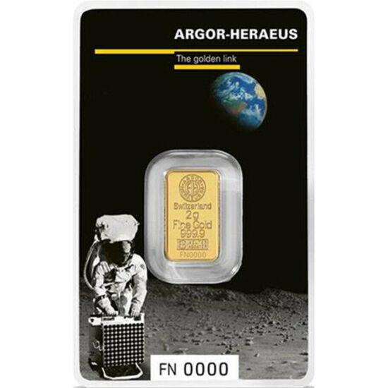 // lingou de aur, aur de 999,9/1000, Elveţia, 2019 // - Una dintre cele mai cunoscute rafinării de aur, Argor-Heraeus, a lansat un lingou special de aur pentru marcarea celor 50 de ani de la aselenizare. Pe ambalaj apare Neil Armstrong după primul pas, av