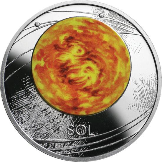 // 1 dolar, argint de 999/1000, Niue, 2019 // - Niue se prezintă cu o nouă serie formată din zece monede având ca motiv corpurile cereşti ale Sistemului Solar. Prima din serie este Soarele, care apare pictat pe aversul monedei din argint pur, iar pe rever