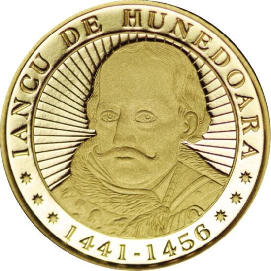 // 100 lei, aur de 900/1000, România, 2016 // - Reprezentare superbă a Castelului Corvinilor pe moneda de aur emisă în amintirea lui Iancu de Hunedoara. Moneda comemorează 575 de ani de când a devenit voievod al Transilvaniei.